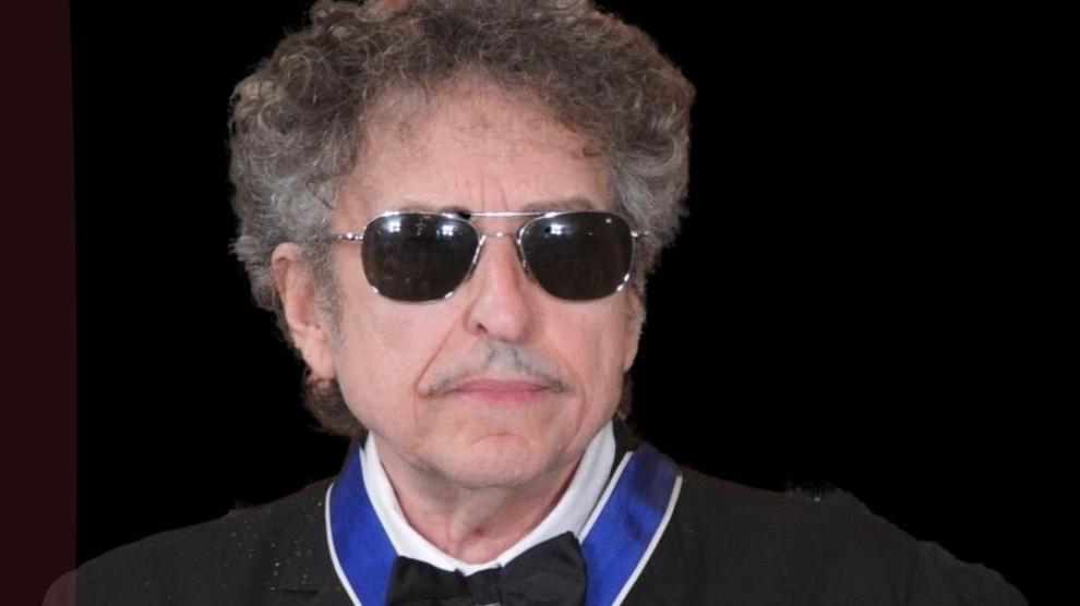 Bob Dylan accusato di abusi sessuali su una minorenne dopo 56 anni: il caso